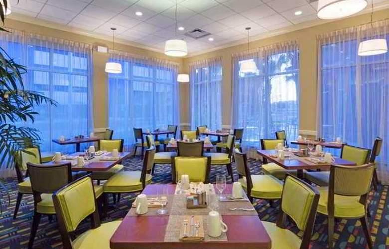 Hilton Garden Inn Tampa Airport Westshore - Hotel - 11