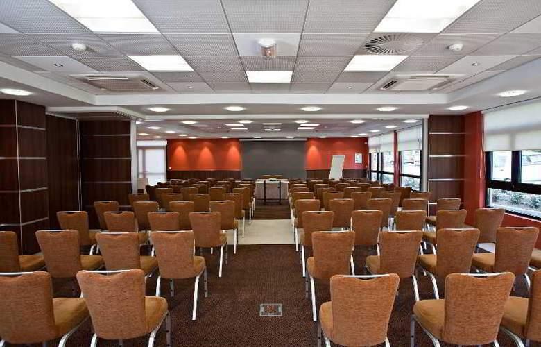 Best western Golf Hotel De Valescure - Conference - 19