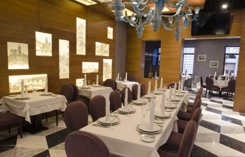 Duke - Restaurant - 5