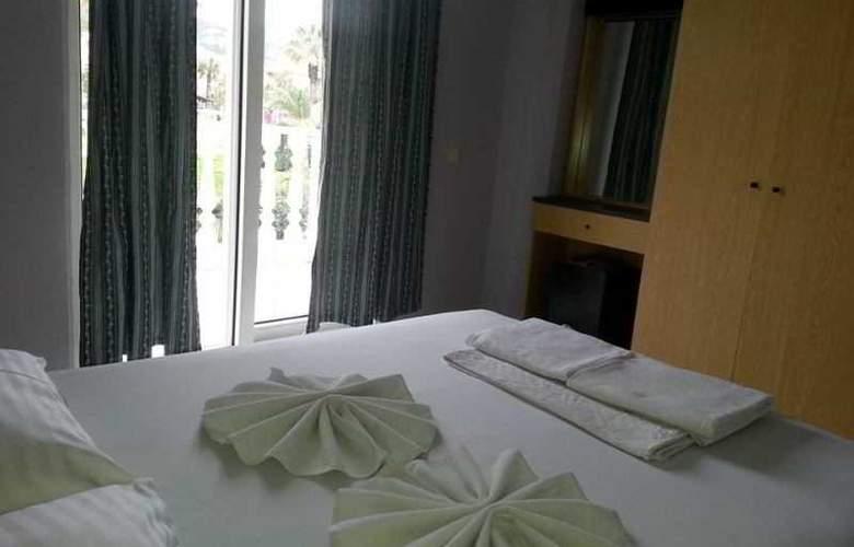 Club Ege Apart Hotel - Room - 3