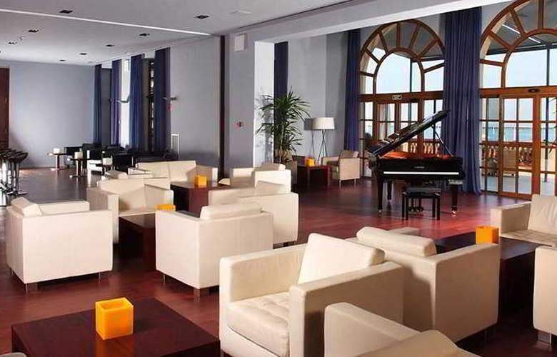 Le Meridien Ra Beach Hotel & Spa - Bar - 5