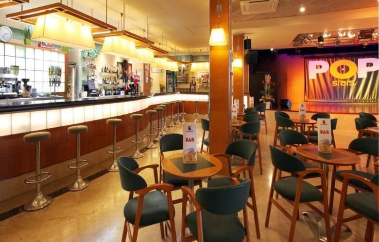 Golden Taurus Park Resort - Bar - 5