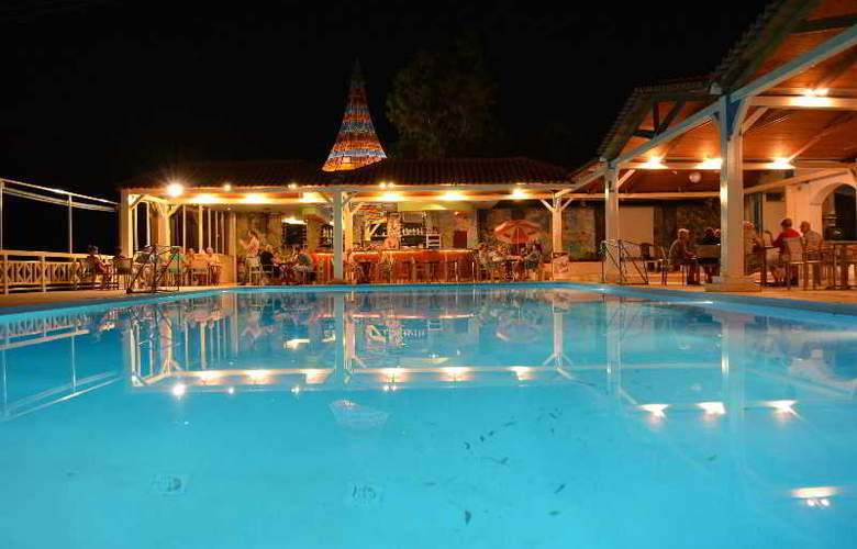 Eden Rock Village Hotel - Pool - 24