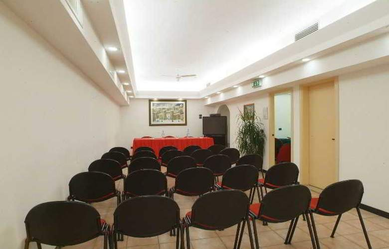 Tevere - Conference - 3