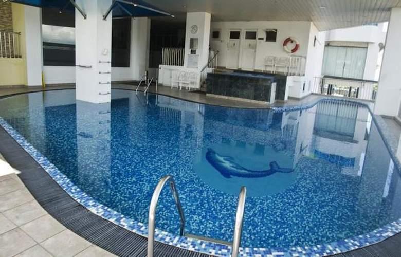 Global Towers - Pool - 3