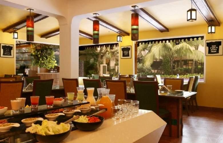 Lemon Tree Amarante Beach Resort - Restaurant - 8