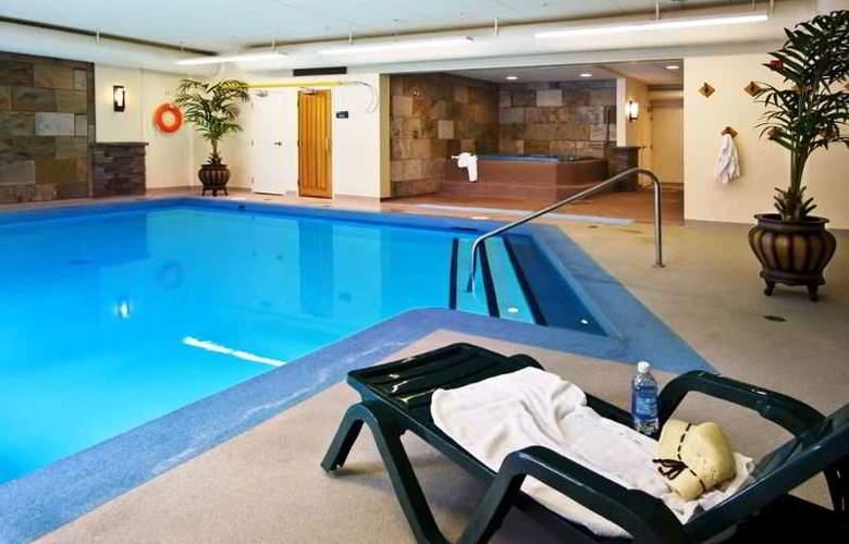 Lobstick Lodge - Pool - 6