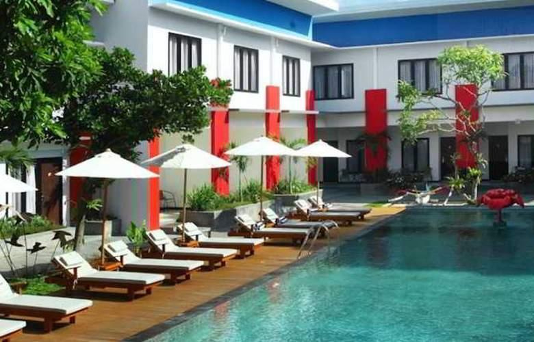 Odua Ozz Hotel Kuta - Pool - 9