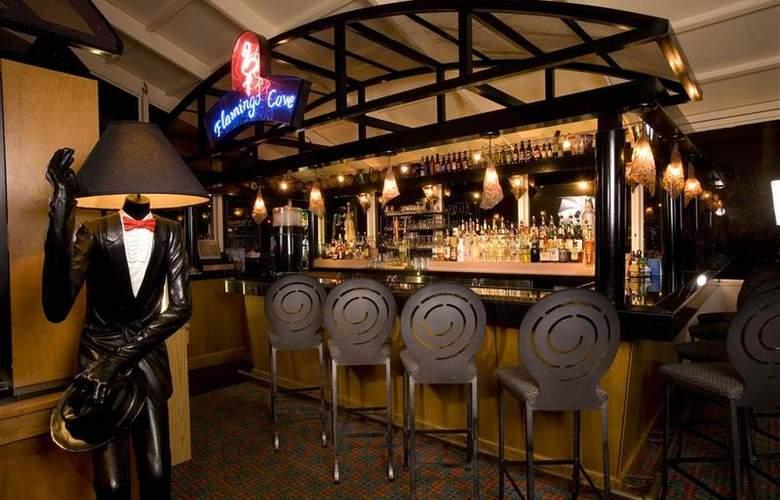 Best Western Lake Buena Vista Resort - Bar - 80