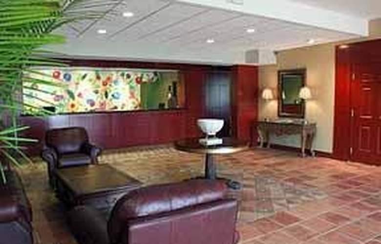 Comfort Suites - General - 1