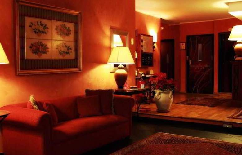 Gallery House - Hotel - 0