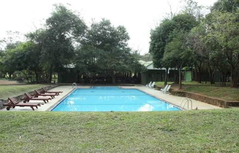 Windsor Park - Pool - 3
