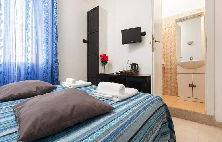 Sicilia Suite Bed And Breakfast - Room - 17