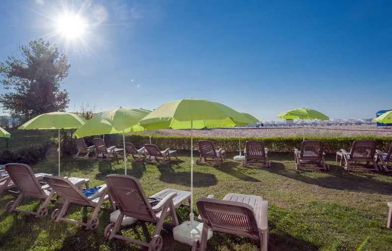 Viand - Beach - 7
