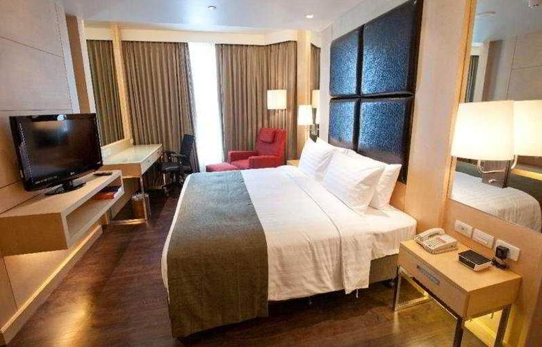 Ramada Hotel & Suites - Room - 3