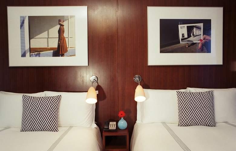 6 Columbus - Room - 2