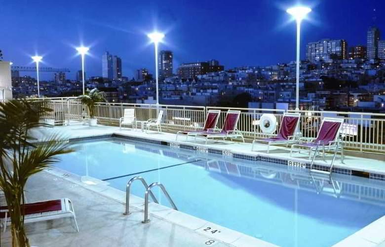 Holiday Inn Golden Gateway - Pool - 10