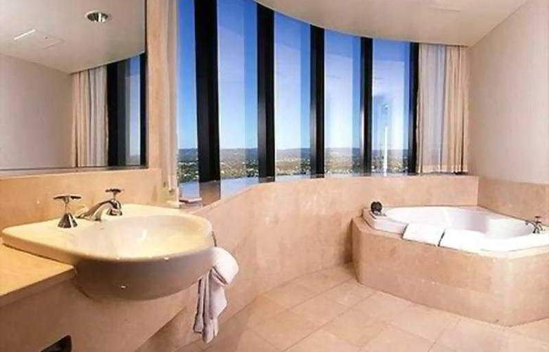 Crowne Plaza Surfers Paradise - Room - 2