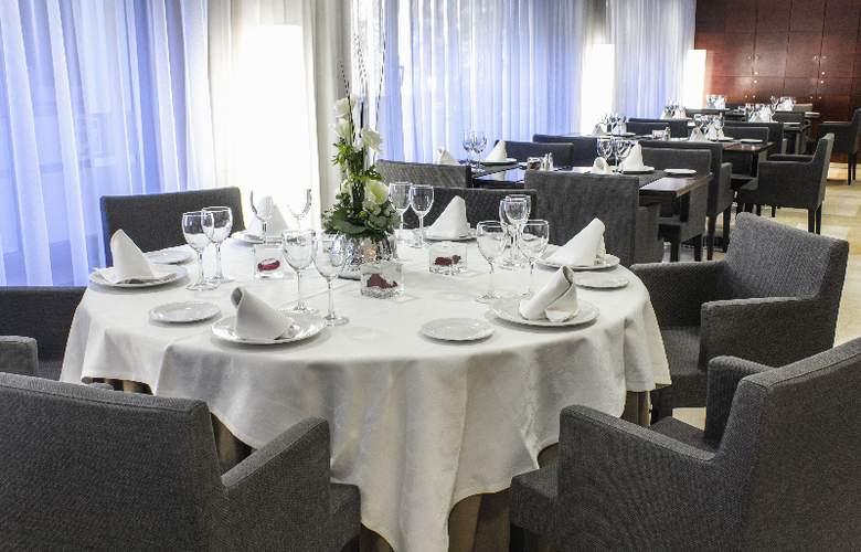 Zenit Don Yo - Restaurant - 32