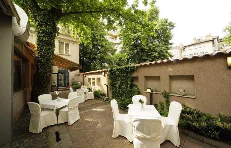 Central Hotel Sofia - Terrace - 7