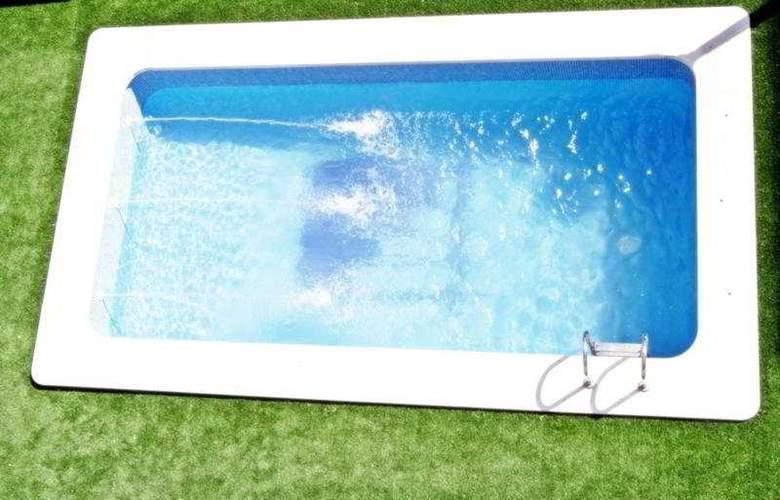 Agora - Pool - 1