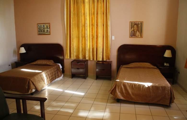 San Alejandro - Room - 2
