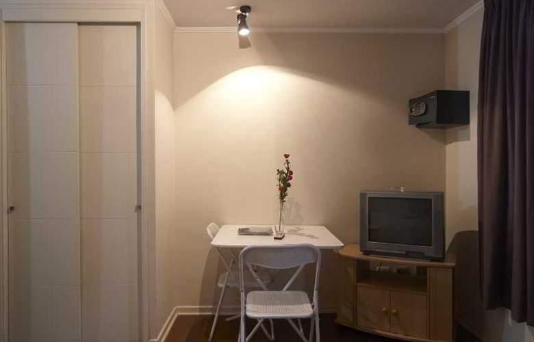 VR Suite - Room - 14