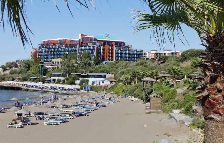 Merit Crystal Cove - Beach - 15
