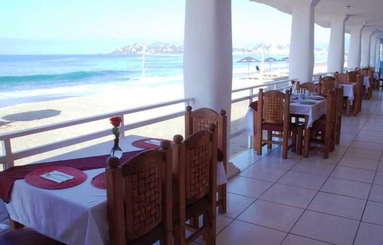 Club Fiesta Mexicana Beach - Restaurant - 28