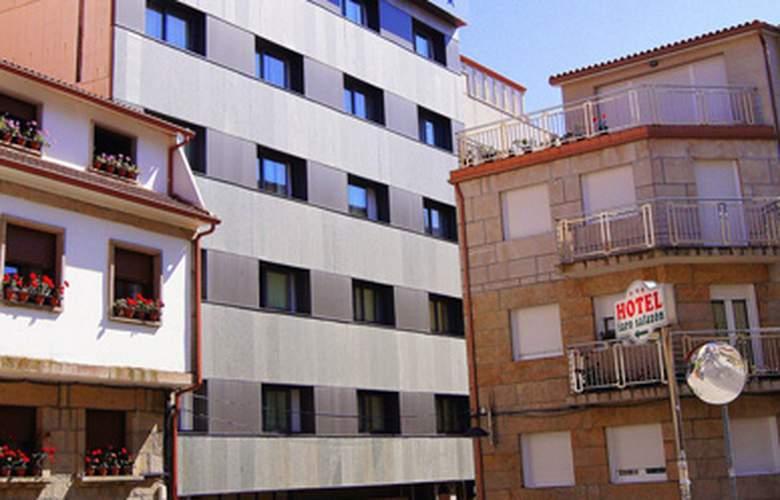 Faro Salazon - Building - 3