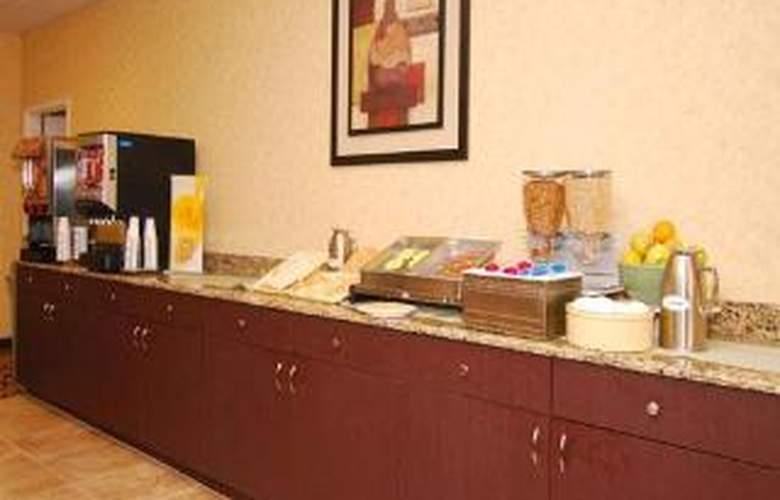 Quality Inn & Suites Near Fairgrounds Ybor City - General - 1