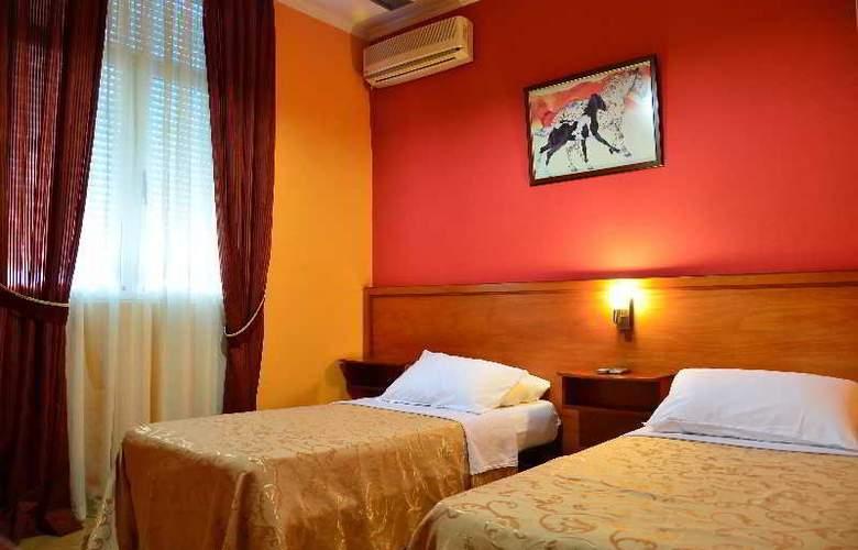 Nobel Tirana - Room - 0