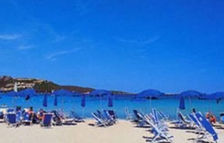 Colonna Beach Hotel & Residence - Beach - 3