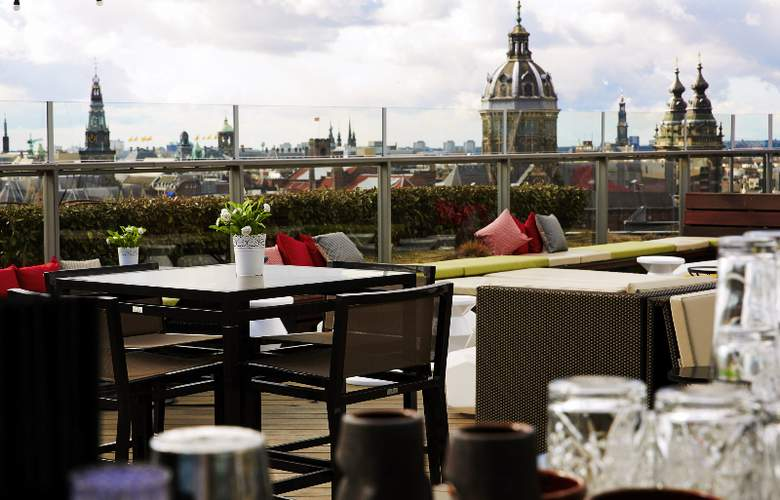 DoubleTree by Hilton Amsterdam Centraal Station - Terrace - 7