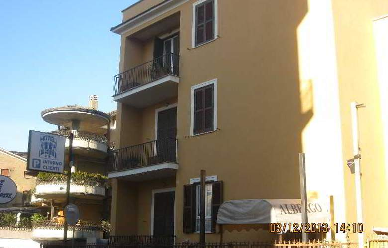 Le Petit Monterotondo - Hotel - 4