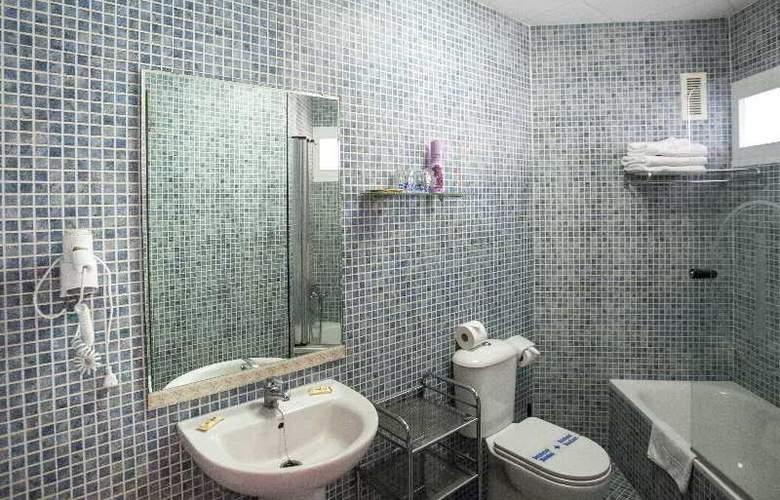 Apartamentos Jabega - Room - 13