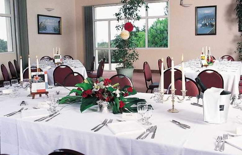 Inter-Hotel Au Chene Vert - Restaurant - 7