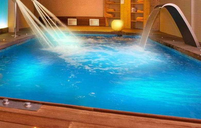 Areca - Pool - 7