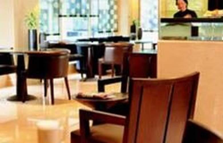 Radisson Blu Edwardian Berkshire - Bar - 4