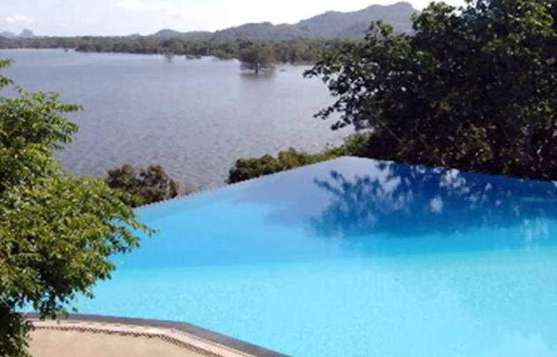 Heritance Kandalama - Pool - 2