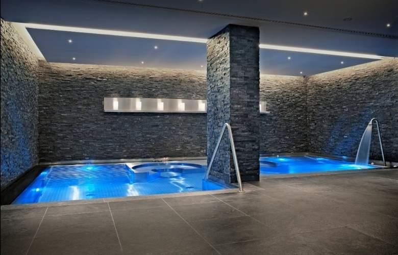 Hotel Schweizerhof Bern - Pool - 5