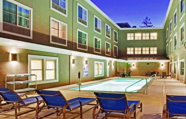 Holiday Inn Express & Suites Santa Cruz - Pool - 3
