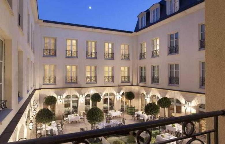 Auberge du Jeu de Paume - Terrace - 6