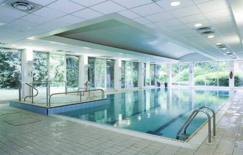 Holiday Inn Hemel Hempstead M1/J8 - Pool - 3