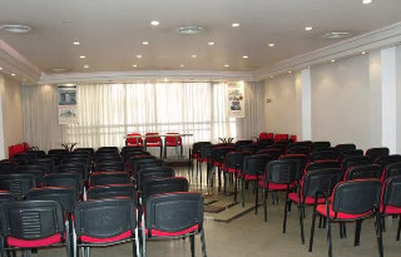 Plaza del Sol - Conference - 4