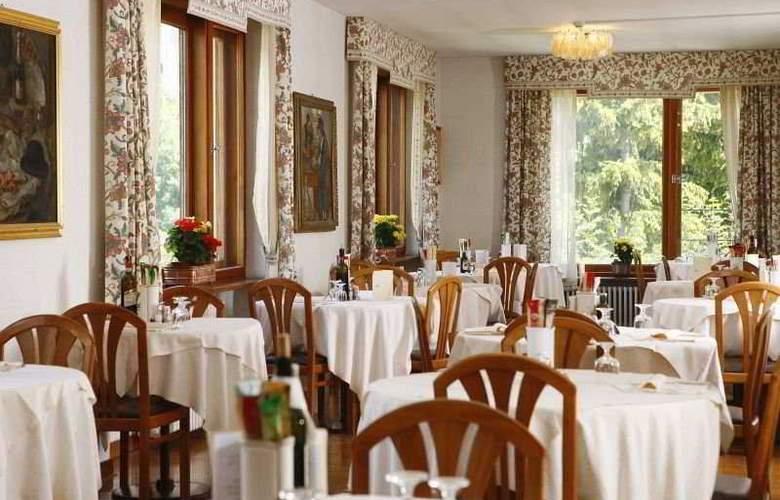 Corona - Restaurant - 4