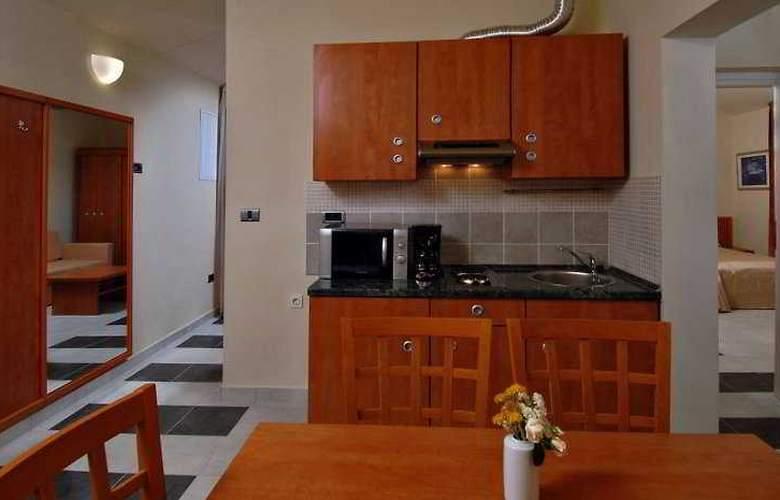 Amarin Resort Apartments - Room - 3