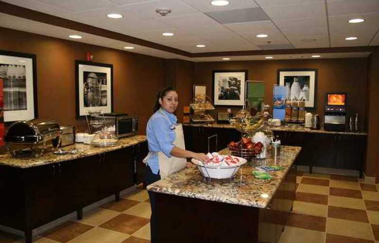 Hampton Inn And Suites Bakersfield - Hotel - 21