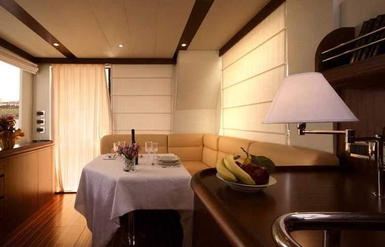 Venice Luxury Yacht - General - 1