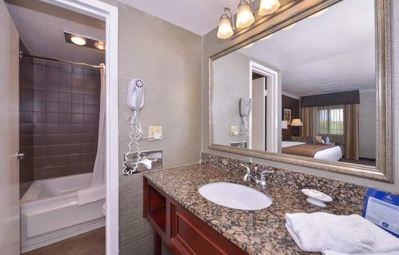Best Western Plus Innsuites Phoenix Hotel & Suites - Room - 42